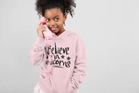 KIDSBEE Krásná dětská dívčí mikina s kapucí Believe in Unicorns - růžová, vel. 104